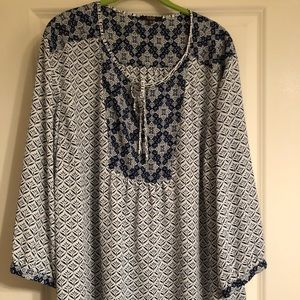Navy & white mixed pattern 3/4 sleeve blouse